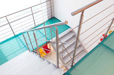 Travaux Confort - Installation d'escaliers sur-mesure de marque Graah