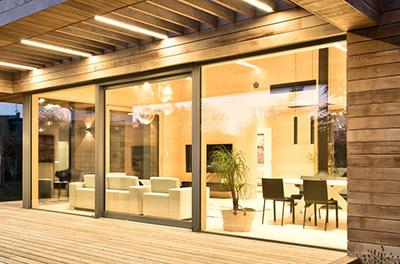 Travaux Confort - Distribution et installation de fenêtres Internorm et baies vitrées Solarlux